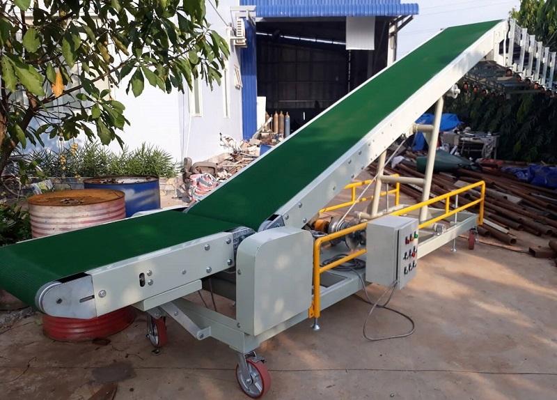 Thiết bị băng tải PVC nâng hạ mẫu 02